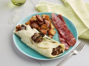 Egg White Omelet with Turkey Sausage and Mushrooms