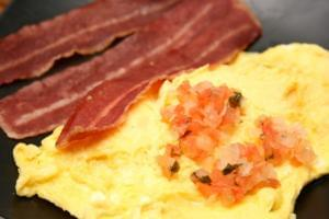 Mexican Salsa Omelet (P) with Turkey Bacon (P)