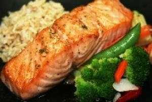 Seared Paleo Salmon (P) with Carrots (P)