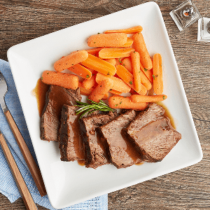 Braised Boneless Beef Short Rib in Beef Gravy (P) with Carrots (P)