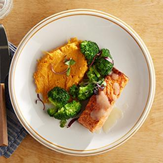 PREMIUM LINE: Dijon Salmon with Sweet Potatoes with Broccoli