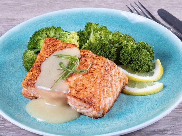 Keto: Seared Salmon with Dijon Mustard Sauce with Broccoli