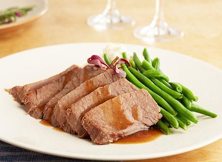 Keto: Roast Brisket with Bordelaise Sauce with Green Beans