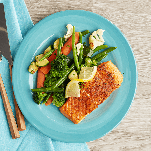 Seared Paleo Salmon (P) with Asian Blend (P)