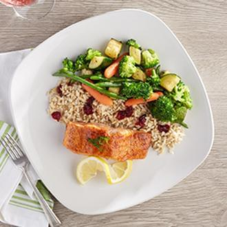 PREMIUM LINE: Seared Salmon with Brown Butter Sauce with Vegetable CousCous with Peas